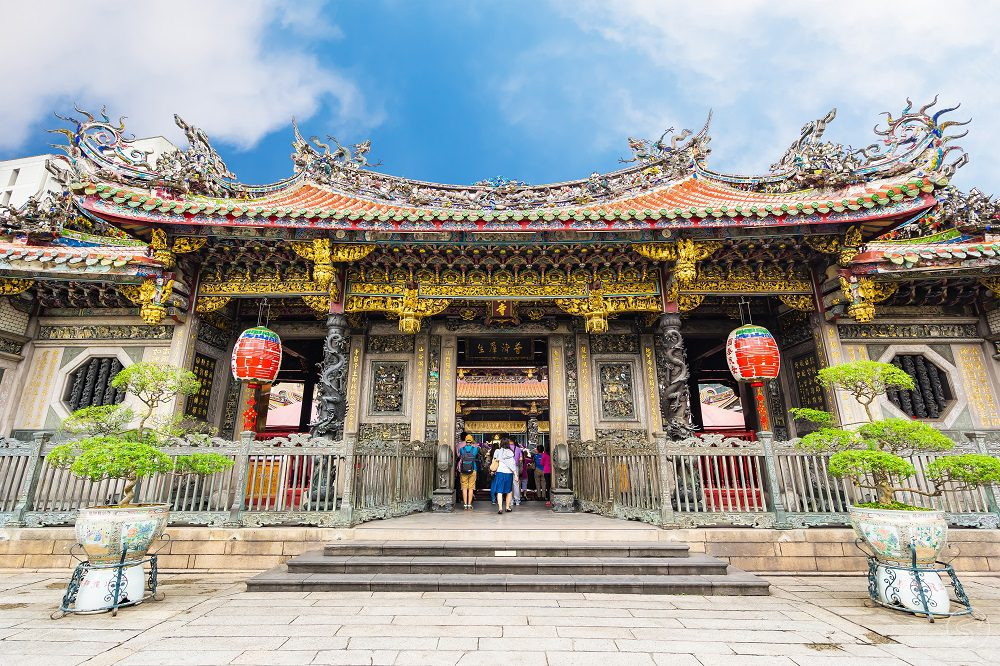 A Nostalgic walking tour in Taipei with a guide